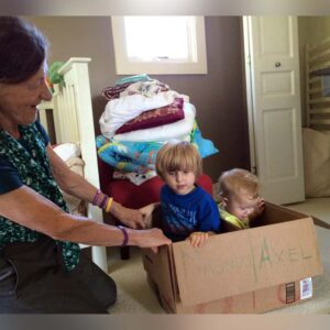 Grandma with Magnus and Axel after our move a few years ago. They loved this box!